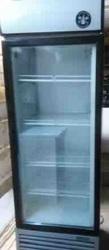 Шкафы холодильные бу стекло,  1- и 2-дверные витрины купе.Цена снижена!
